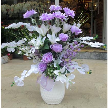 Lila beyaz yapay çiçek