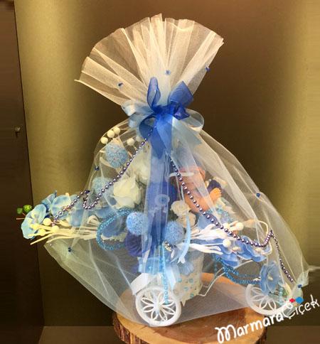 Bisiklette Yapay Bebek Çiçeði