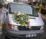 Araba Çiçek Süslemesi