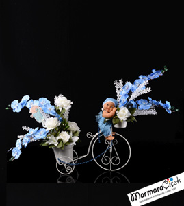 YapayErkek Bebekli Yapay Çiçek