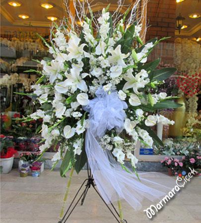 Beyaz Çiçeklerden Feforje