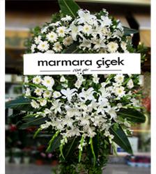 Beyaz Çiçeklerden Cenaze Çelengi