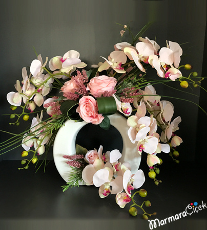 Yapay Pembe Çiçek